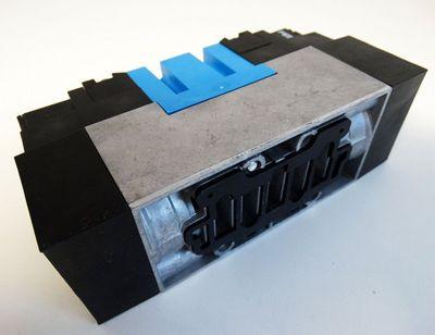 Festo MEBH-5/3G-D-2-ZSR-C Mat. Nr. 184505 Magnetventil -unused/OVP- – Bild 4