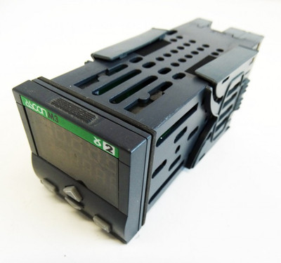 ASCON spa M3-3100-0100 100-240 V 2,6 W Temperaturregler -used- – Bild 1