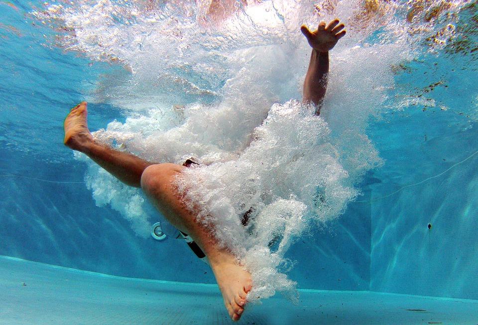 Schwimmbadtechnik und Schlauch