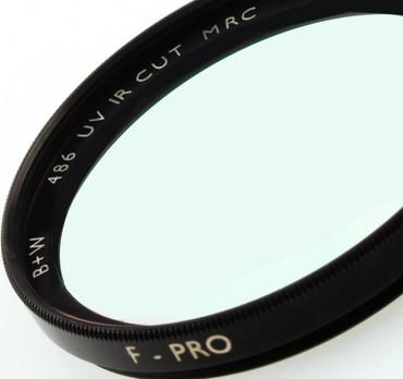 B+W Spezialfilter 486 UV IR Cut  MRC vergütet  82,0 mm  F-Pro Digital MRC vergütet