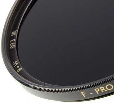 B+W Infrarotfilter 093 schwarzrot (830) 46,0 mm  F-Pro Digital