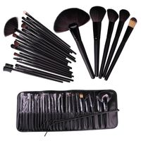 The main makeup brushes in a set. The set includes eye shadow, blending, eyeliner, lip brush, concealer / cosmetic brush.