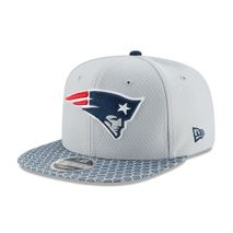 New Era NFL NEW ENGLAND PATRIOTS Authentic 2017 Sideline 9FIFTY Snapback Game Cap