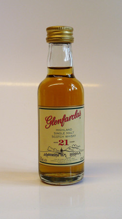 Glenfarclas 21 Jahre MINIATUR 43%vol 1x0,05L Single Malt Scotch Whisky