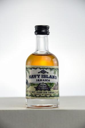 NAVY ISLAND JAMAICA RUM XO RESERVE - Pot Still Rum 40%vol 1x0,05L MINIATUR