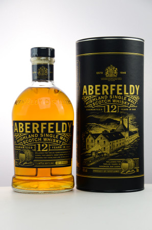 ABERFELDY 12 Years  - 40%Vol. 1x0,7L  - Single Highland Malt in Tube – Bild 1