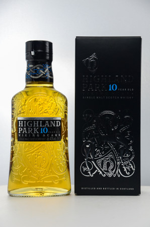 HIGHLAND PARK 10 Jahre - Orkney Island Single Malt Whisky 40% 1x0,35L