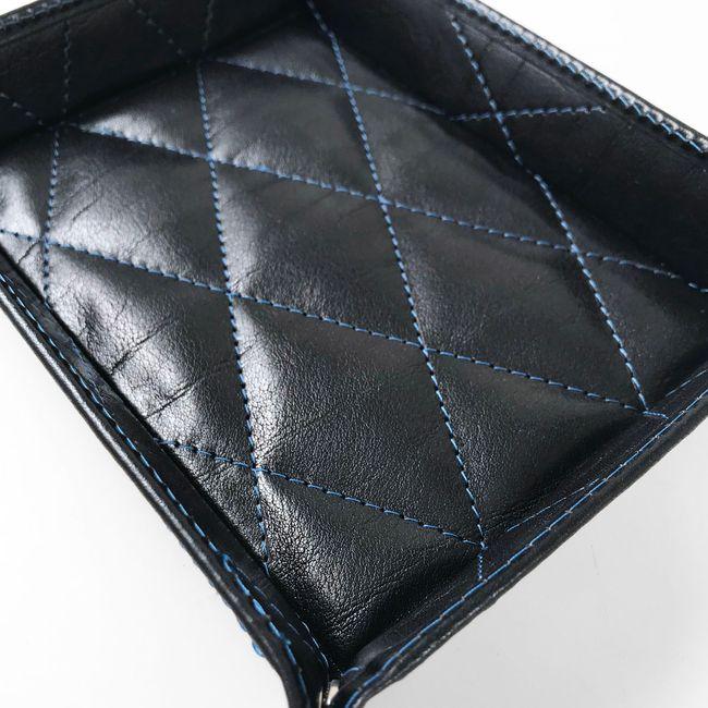 Taschenleerer gepolstert mit blauer Steppnaht – Bild 3