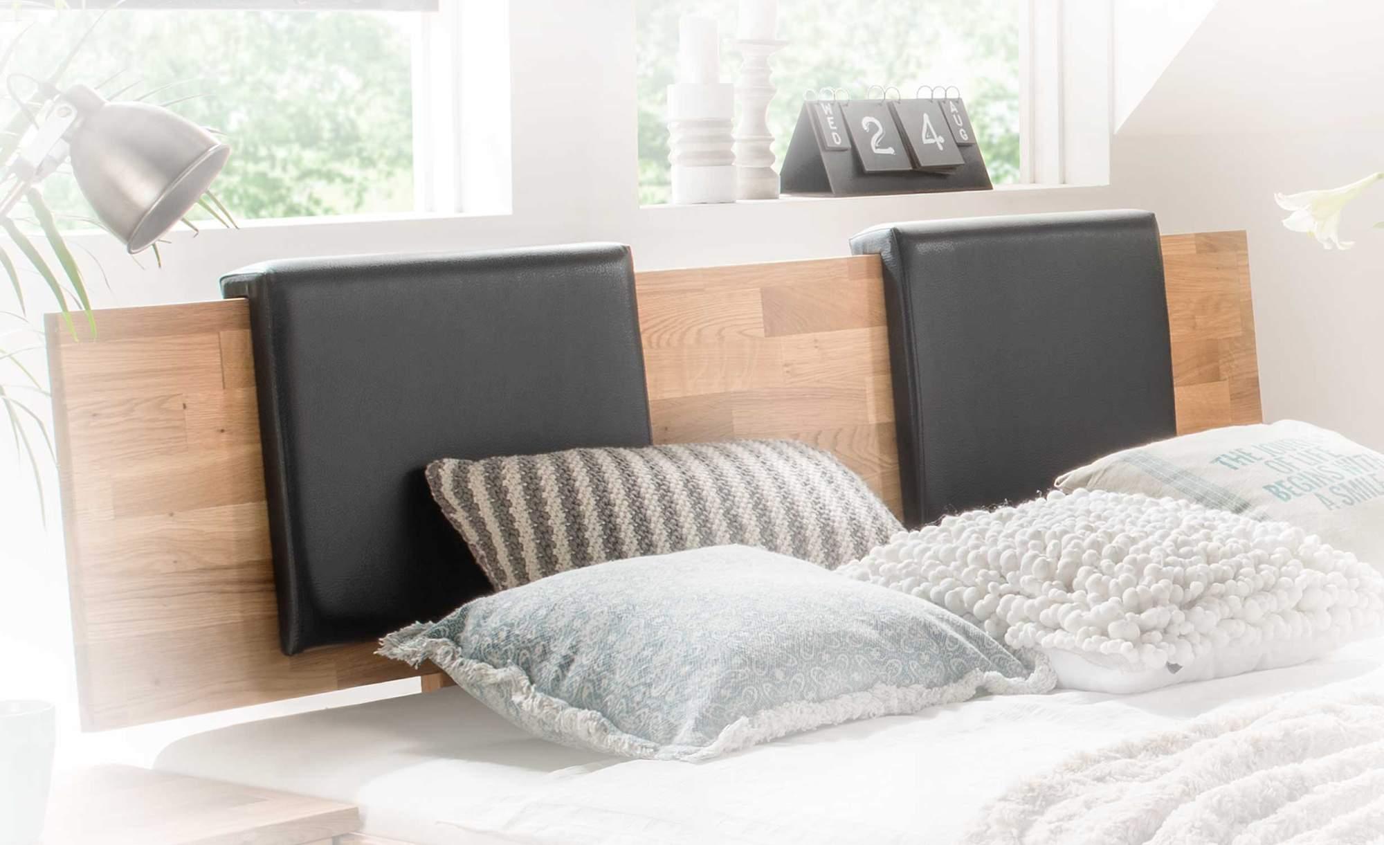 kissenset 2er set passend zu bett owe kunstleder schwarz oder mocca. Black Bedroom Furniture Sets. Home Design Ideas