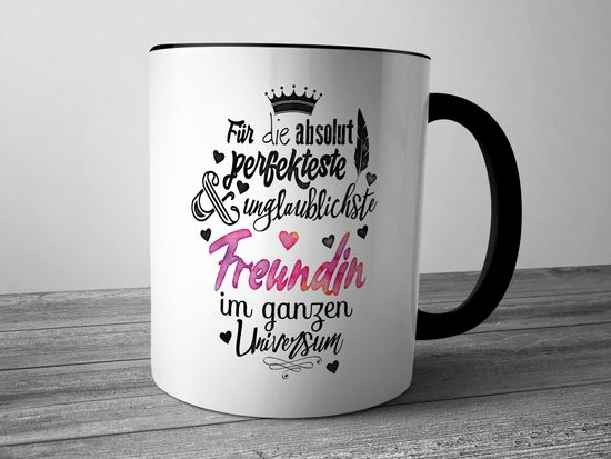 Funtasstic Tasse Für die absolut perfekteste Freundin - Kaffeepott Kaffeebecher 375 ml (3917)