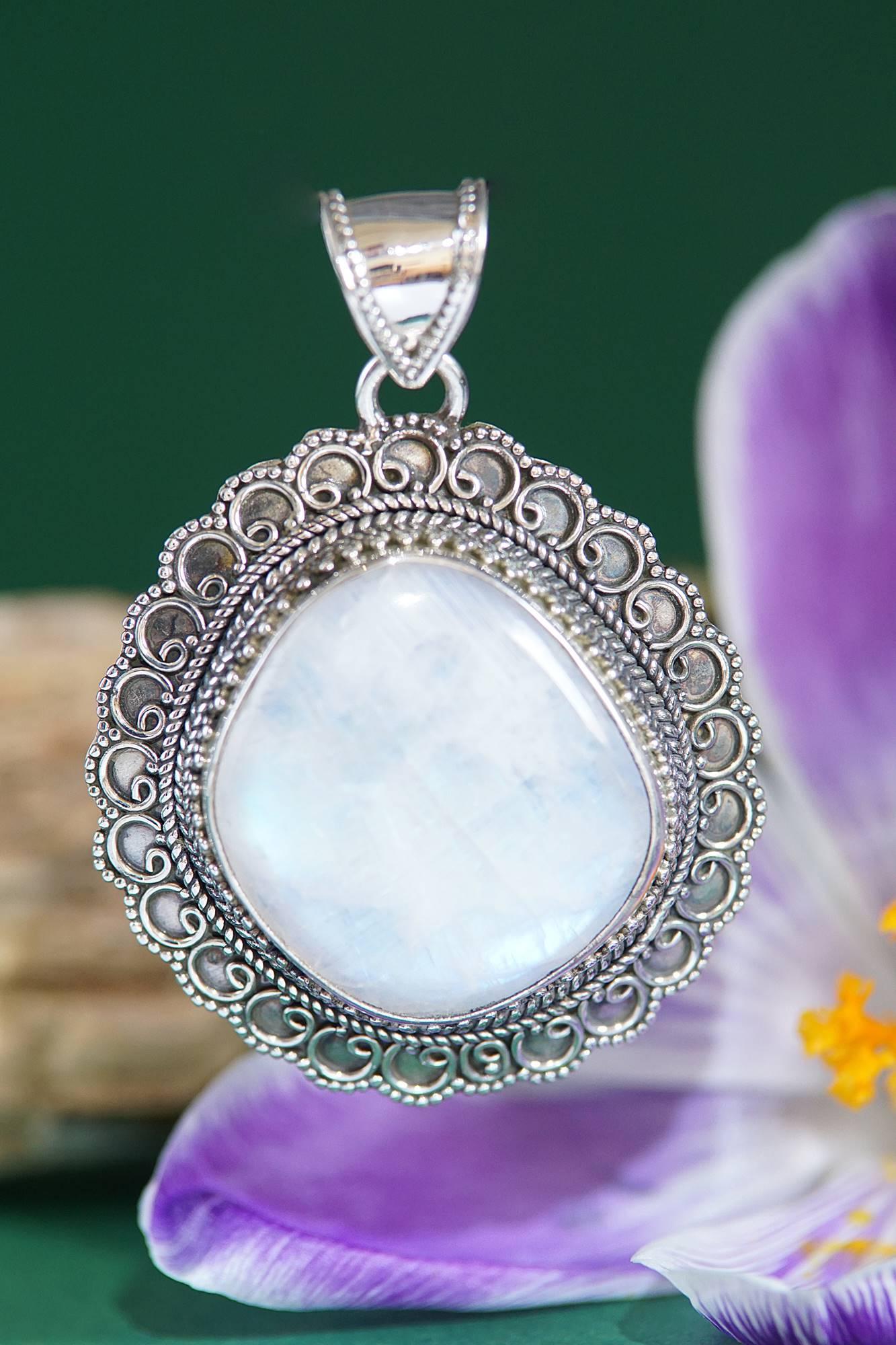 Kettenanhänger 925 Silber mit Regenbogen Mondstein