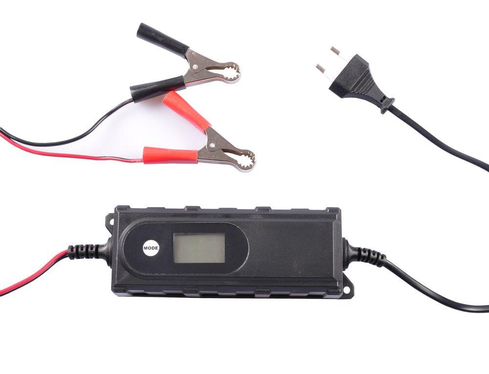 Batterieladegerät Ladegerät Batterie Erhaltungsgerät Autobatterie Motorrad Boot