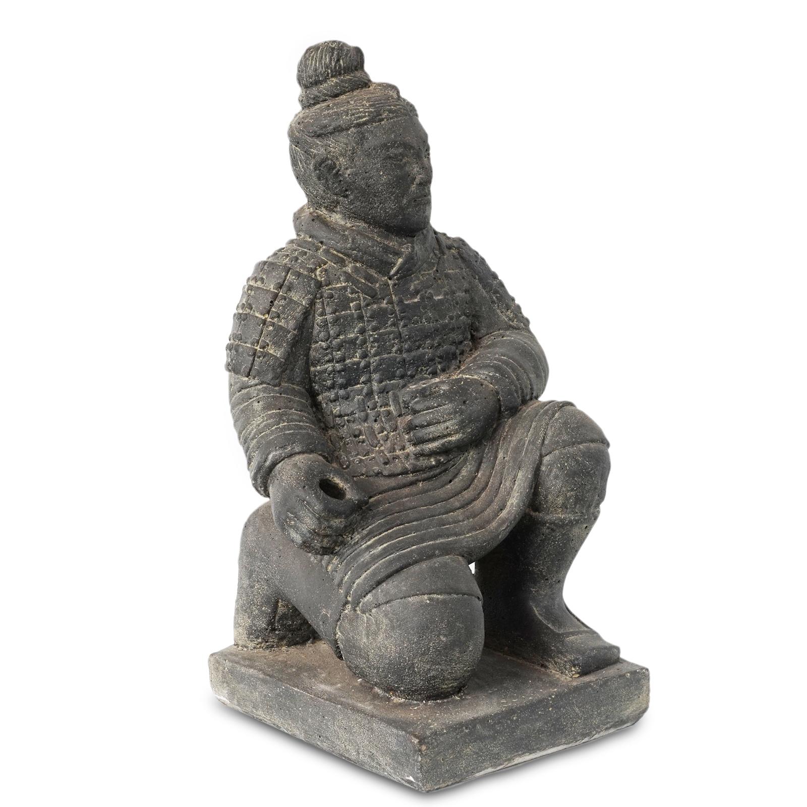 """Krieger Skulptur """"Terrakotta-Armee"""" China Soldat Figur Statue Knien Massiv Lavasand Stein-Gemisch – Bild 3"""