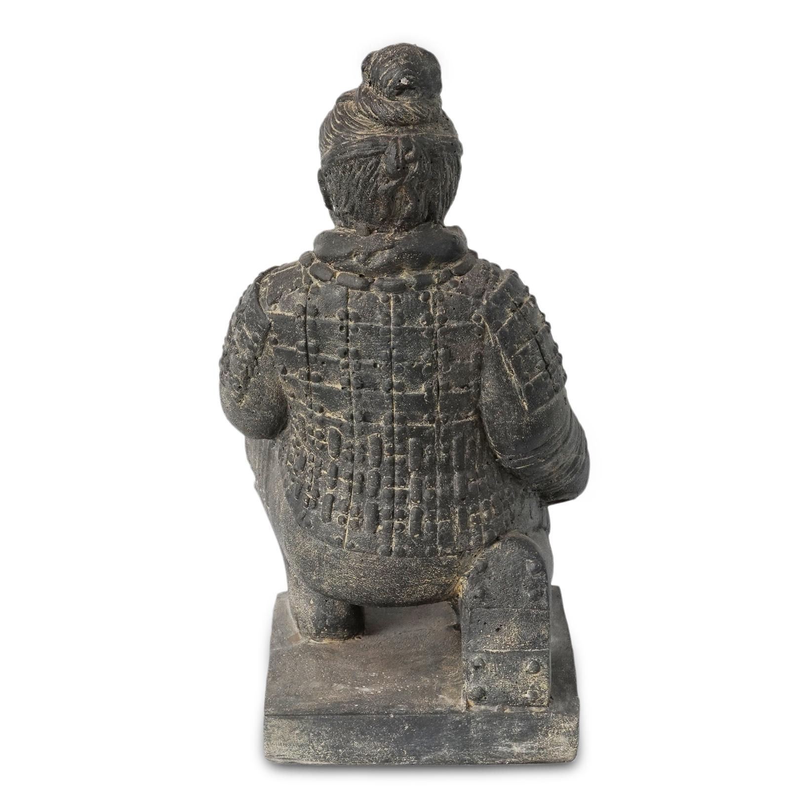 """Krieger Skulptur """"Terrakotta-Armee"""" China Soldat Figur Statue Knien Massiv Lavasand Stein-Gemisch – Bild 5"""