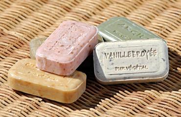 Handgegossene Provence Blockseife mit Zitronen Verbene – Bild 2