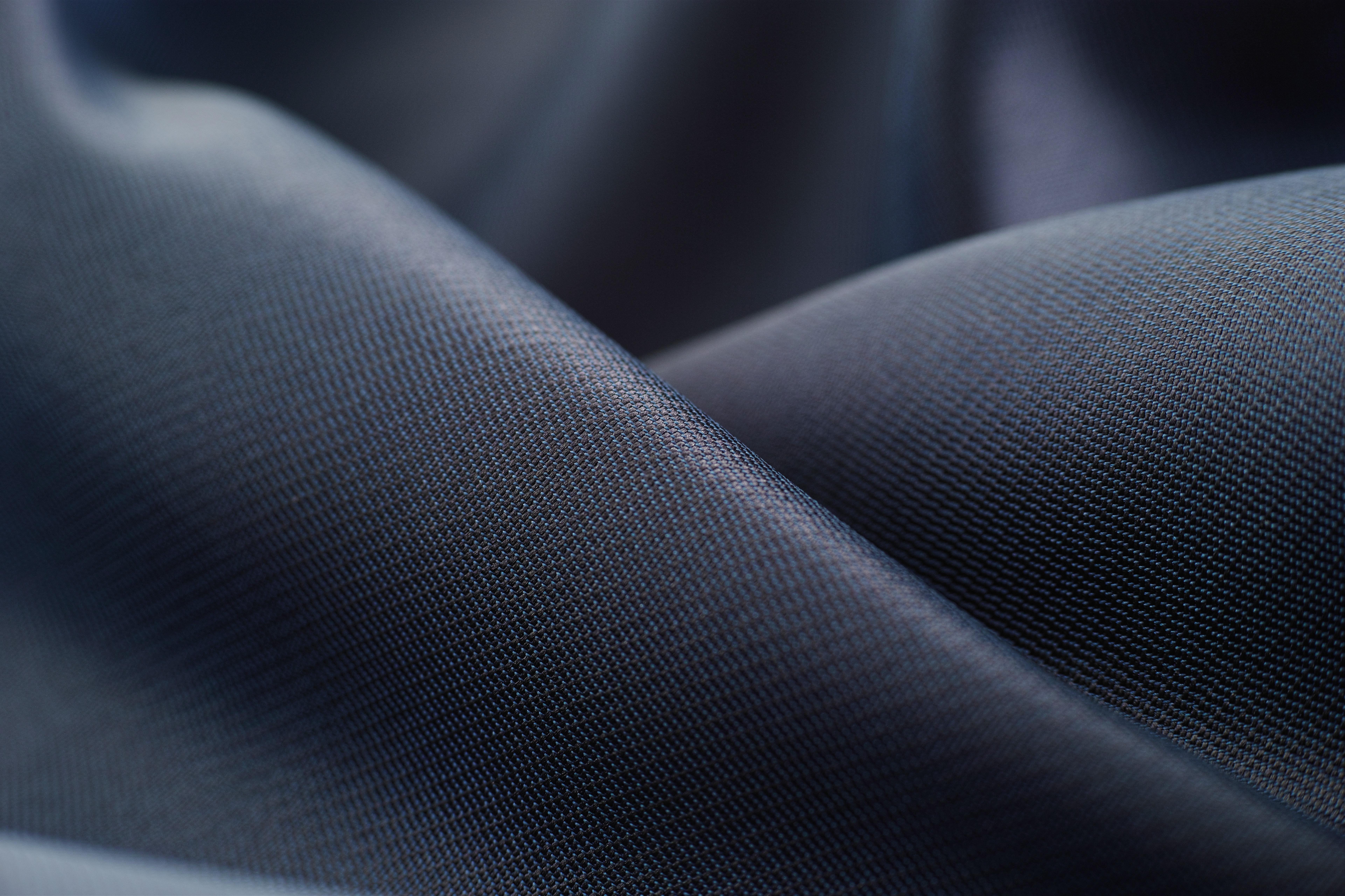 Schwarzes Polyester