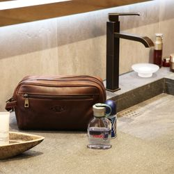wash bag GATWICK Natural Leather 3