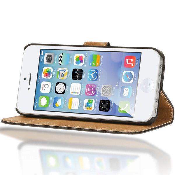 NALIA Schutzhülle für Apple iPhone SE / 5 / 5S, Hülle Lederoptik Handy Klapphülle Bookstyle Handyhülle Cover Case - Schwarz – Bild 3