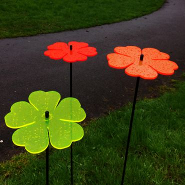 SunCatcher Set of 3 'Double Leaf Flower', 15cm – image 3