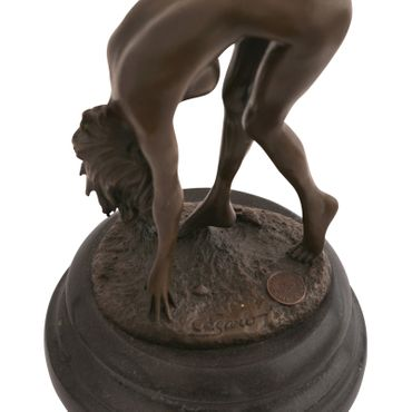 Adult erotic naked women in act of hunching retro sculpture in bronze – image 5