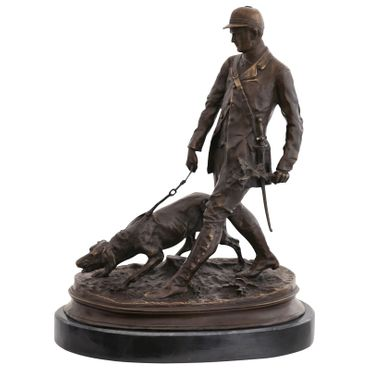 Bronze sculpture of Woodsman with hunter dog for decoration – image 1