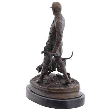 Bronze sculpture of Woodsman with hunter dog for decoration – image 3