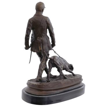 Bronze sculpture of Woodsman with hunter dog for decoration – image 4