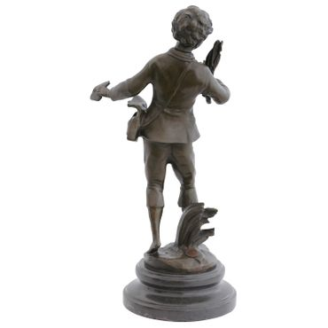 Boy with bird's nest bronze as decoration or gift – image 3