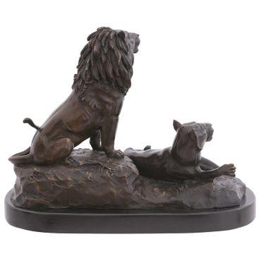 Big cats Lion & Lioness figures repro artwork as bronze animal sculpture  – image 3