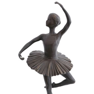 Dancing Ballerina in Tutu Élégante Woman in Bronze – image 5