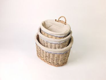 3 oval willow picnic baskets material lined different sizes – image 2