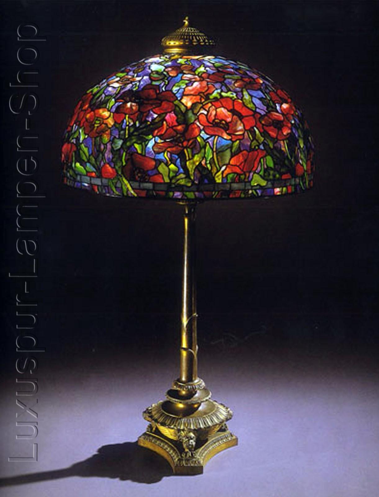 tischlampe replikat einer tiffany lampe im design comaret mit antikem lampenfu aus bronze. Black Bedroom Furniture Sets. Home Design Ideas