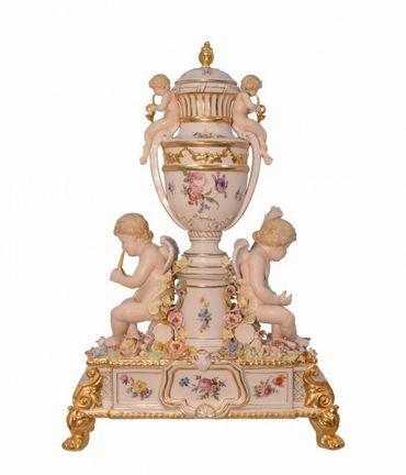 Big porcelain urn elegant accessory present decoration hand painted