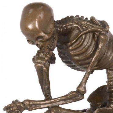 Skeleton bronze figure sculpture on marble slab. Reinterpretation of The Thinker for art lovers and collectors  – image 2