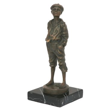 Whistling Boy Mad Man bronze statue of Music – image 3