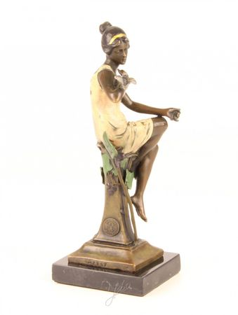 Beautiful Lady with Birds in Bronze Hand Polished – image 3