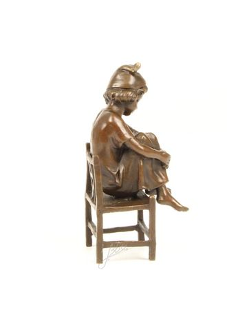 Cute Little Girl on Chair in Casted Bronze – image 3