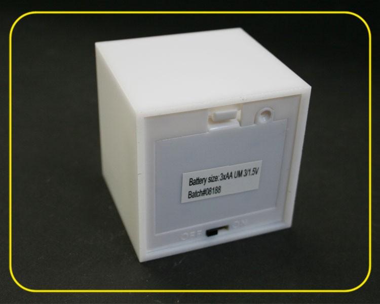 4 Stk. LED Würfel RGB slow, 7cm Acryl weiß – Bild 4