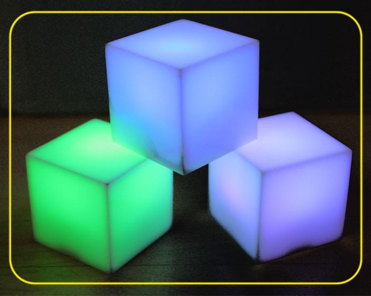 LED RGB Würfel 5cm Acryl weiß  – Bild 2