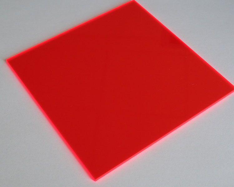 Lucy Leuchtplatte 5 mm | 2030 x 1520 mm | rot