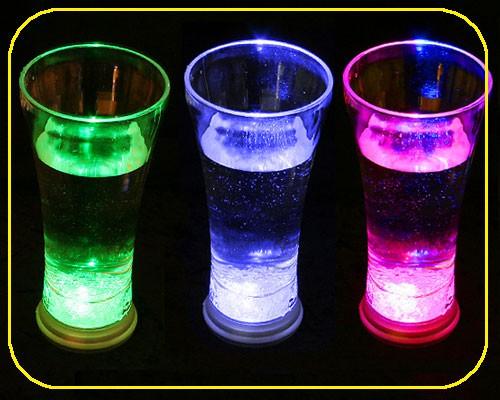 LED Trinkglas 0,33 ltr., RGB, 8 Lichtfunktionen – Bild 1