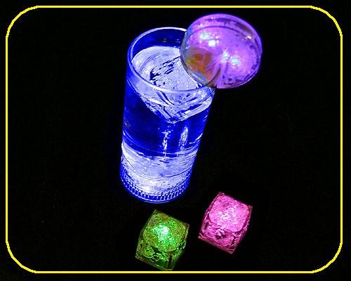 LED Trinkglas 0,25 ltr. blau,3 Funkt., inkl. Batt. – Bild 1