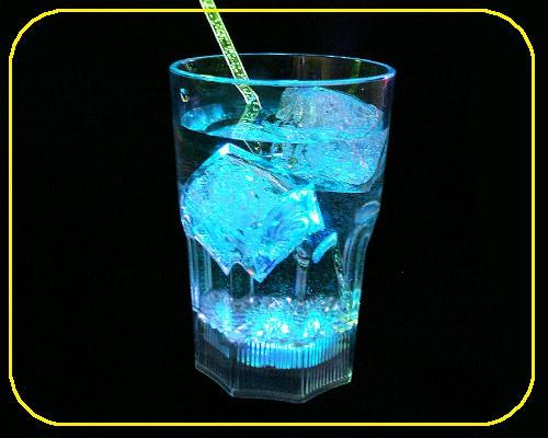 LED Whiskyglas, 0,33 ltr., 8 Lichtf. inkl. Batt. – Bild 3