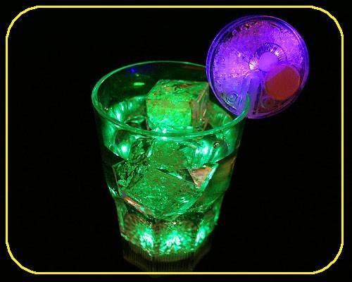 LED Whiskyglas, 0,33 ltr., 8 Lichtf. inkl. Batt. – Bild 2