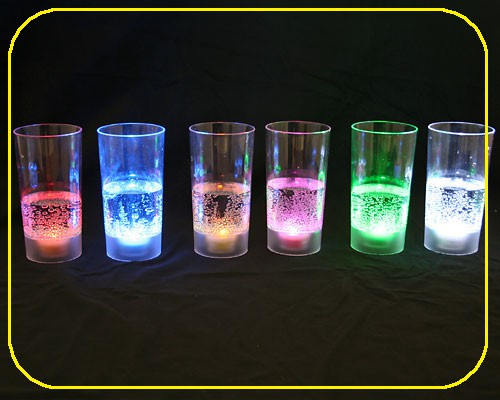 LED Saftglas gelb mit Feuchtigkeitsschalter 200 ml