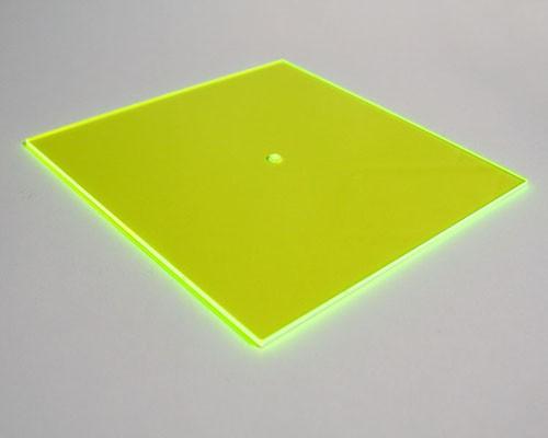 grünes fluo Quadrat midi 16,5 cm mit Loch – Bild 1