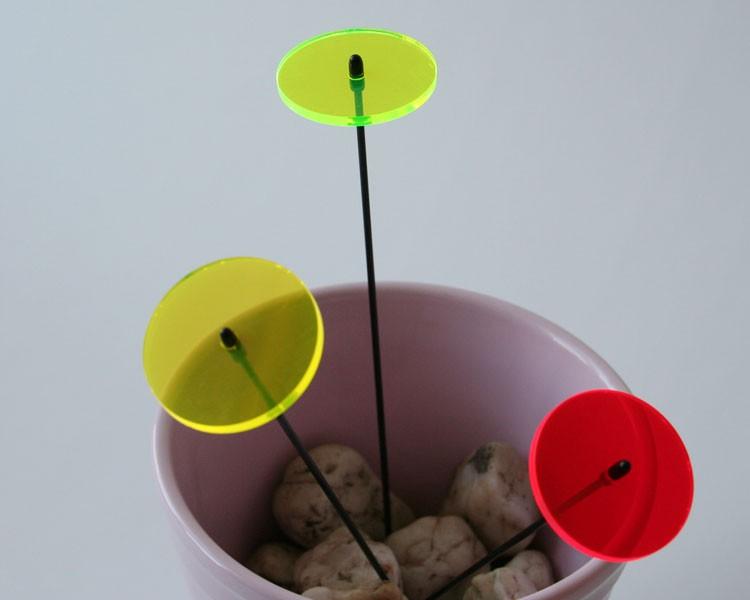 Fluo Scheibe grün mini, 4 cm auf 20 cm Stab Ø2mm  – Bild 1