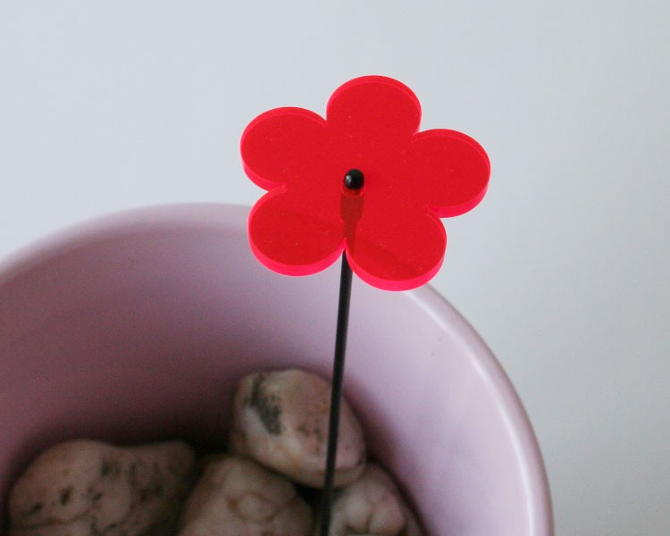 Fluo Blume mini, 4 cm auf 25 cm Stab Ø 2mm rot – Bild 2
