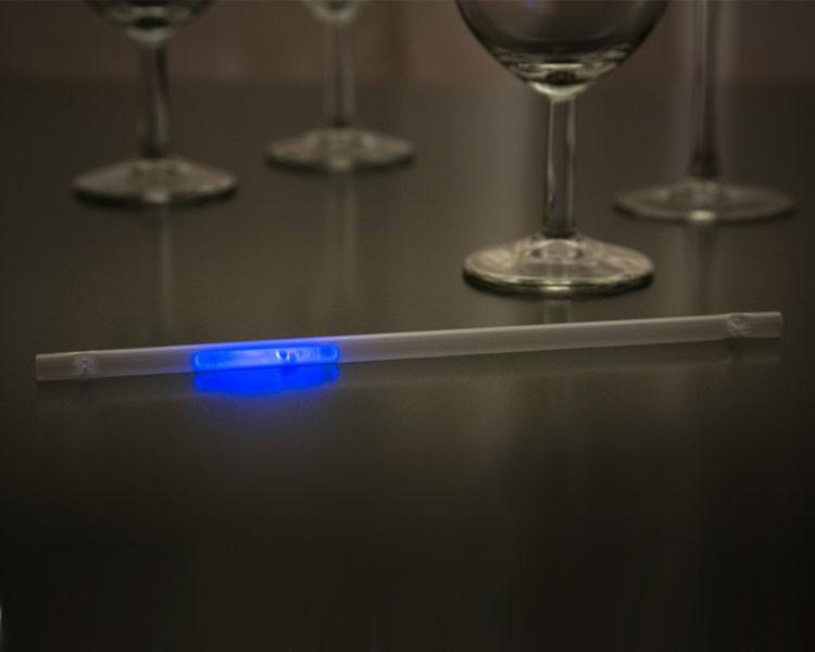 Leuchtstrohhalm mit blauem Mini Knicklicht, 100 Stück