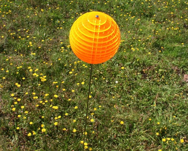 gold-gelbe Kugel LOLLY Ø8,5 cm, 1 m Stahlstab/Schraube, 11 Scheiben  – Bild 1